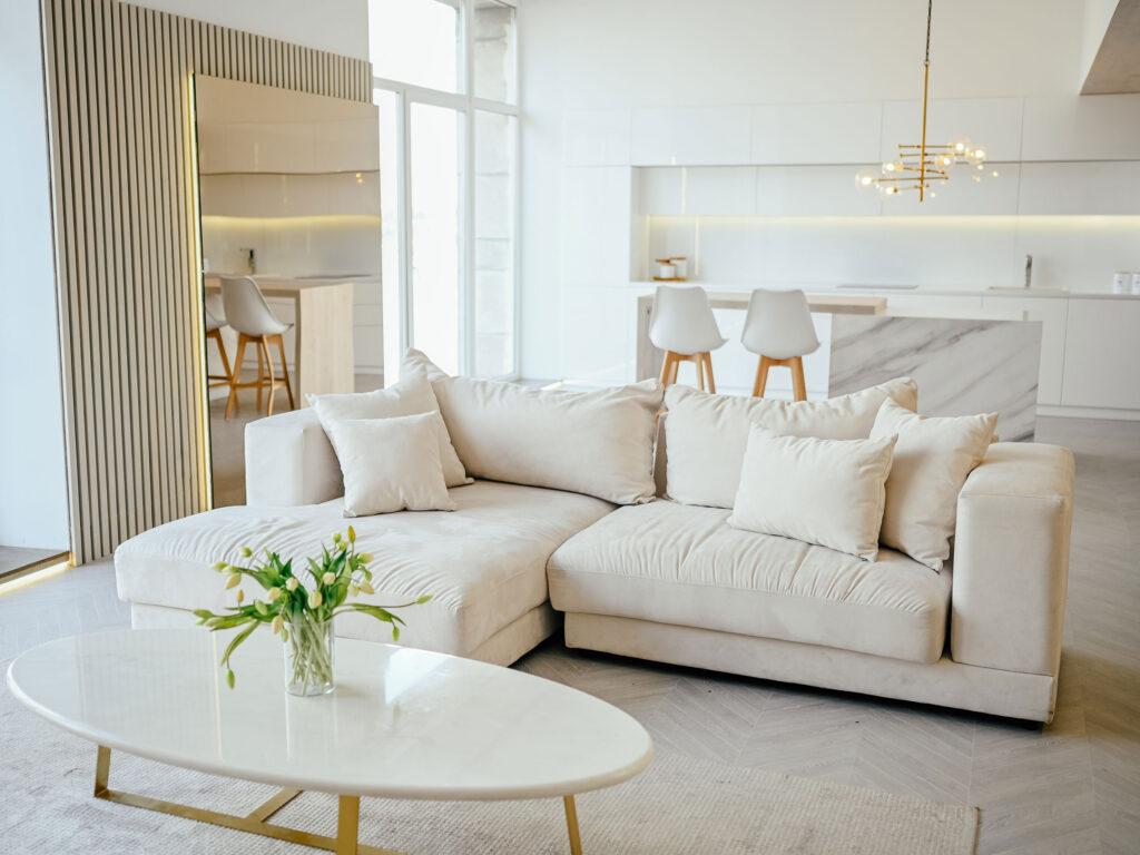 divano separa ambienti